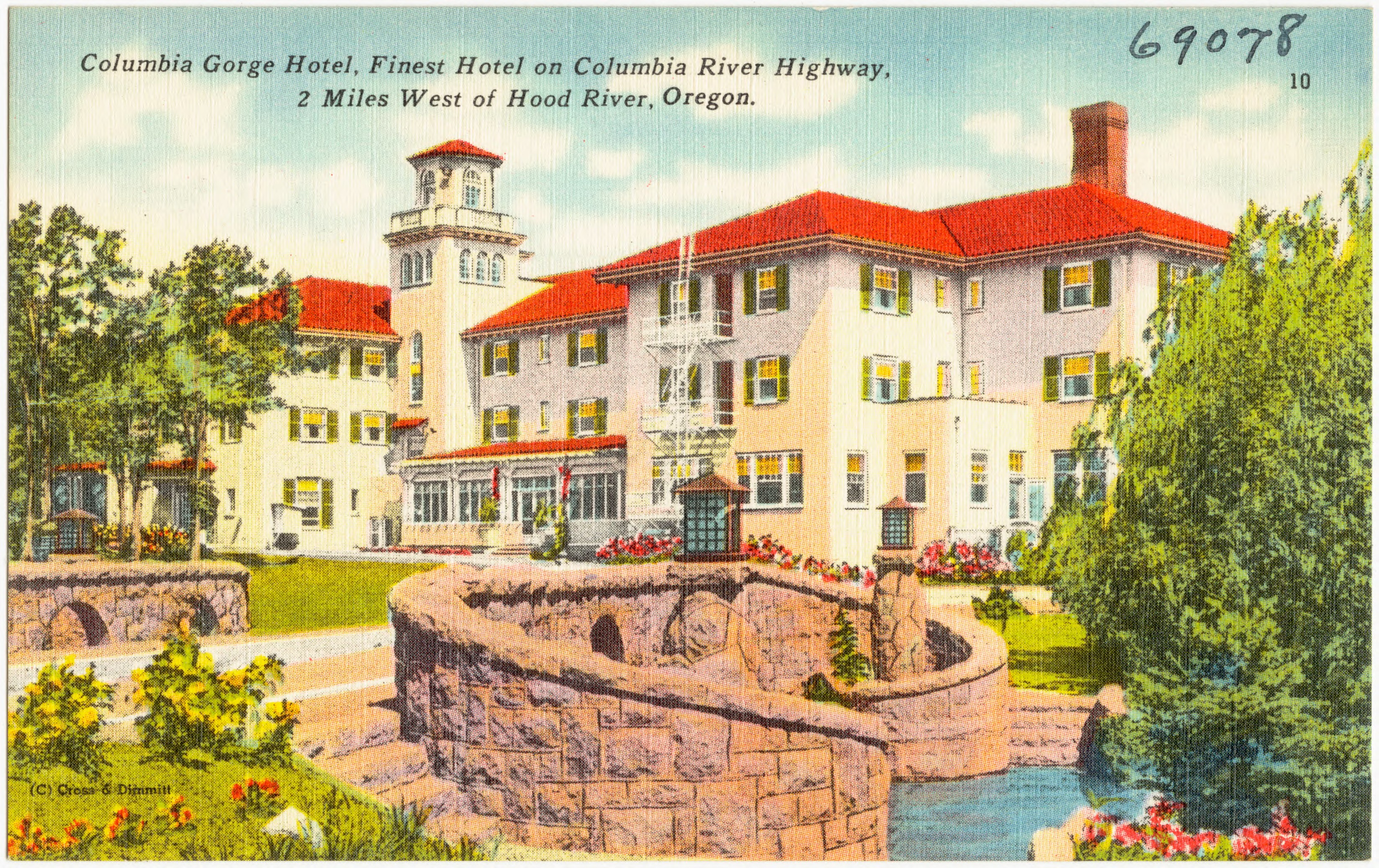 Old postcard Columbia River Gorge Hotel