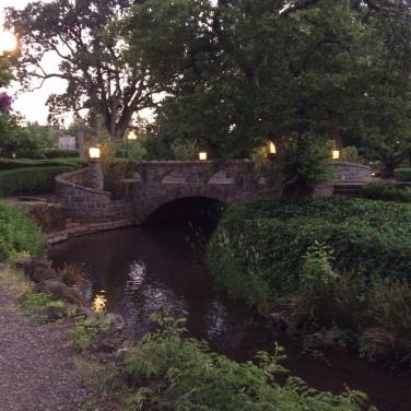 stone bridge eve hotel