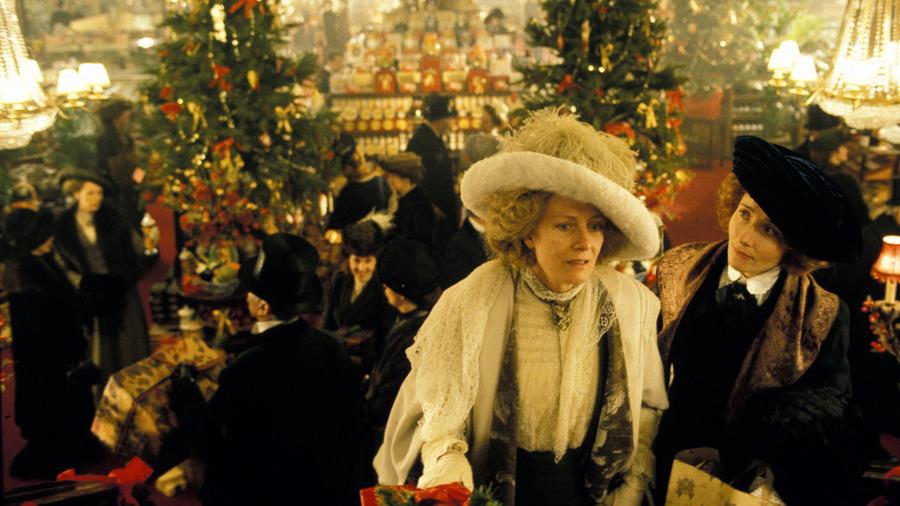 howards-end-christmas-scene