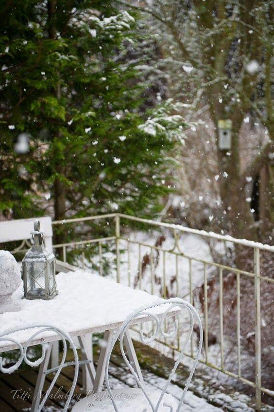 table deck snow