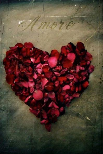 V Amour petals