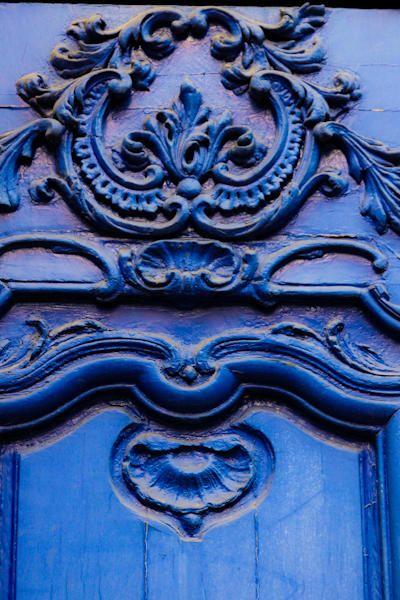 blue stucco ornament