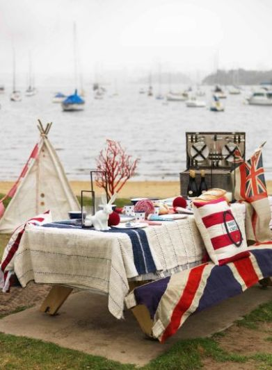 July 4th table boats