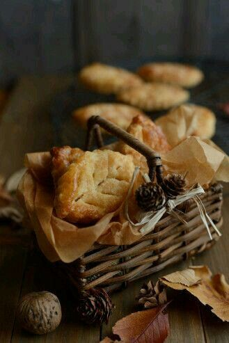 orchard leaf biscuits