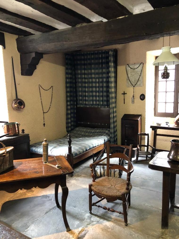 museum bedroom