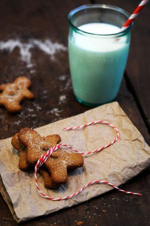 milk and gingerbread men