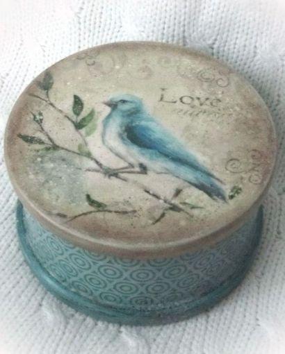 Love blue bird box