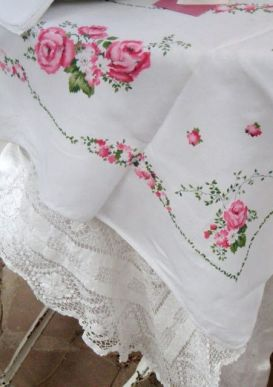 tablecloth roses