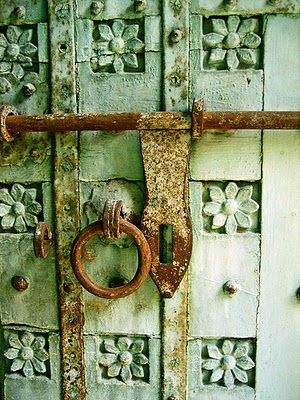green mint door