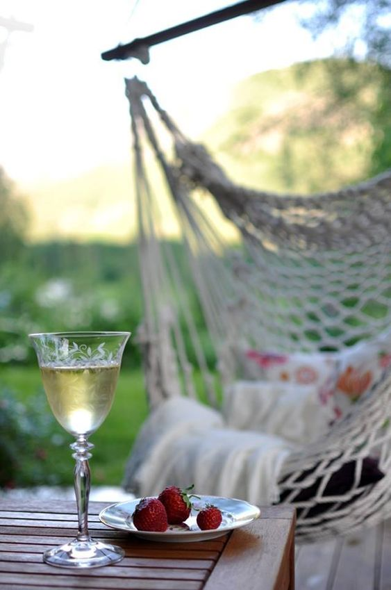 hammock white wine