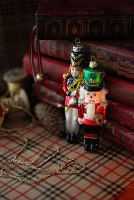 1039 ornaments