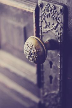 U doorknob