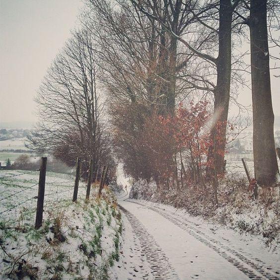 U snowy road